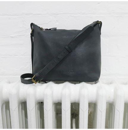 ATILO Leather Shoulder Bag in Black