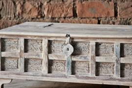 whiteleaf-upcycled-trunk-box-coffee-table-brc-304-2[1].jpg