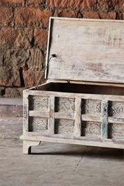 whiteleaf-upcycled-trunk-box-coffee-table-brc-304-3[1].jpg