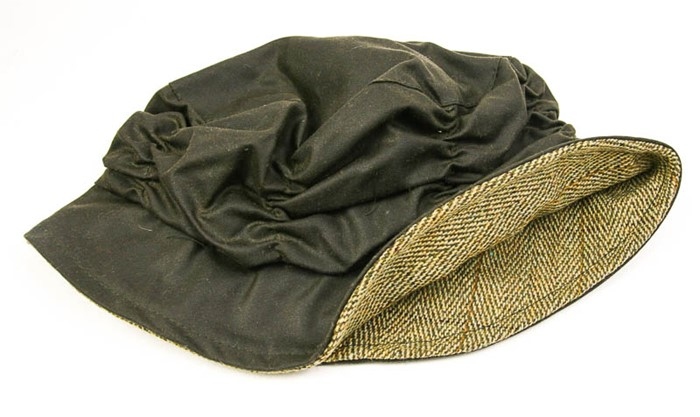 Wool Blanket Online. British made gifts. Cloche Rain Hat - green wax ... baa00ae46e8